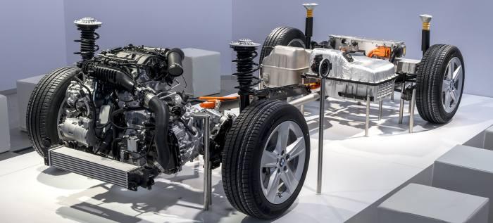 Будущее водородных гибридов BMW